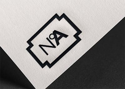 Identité visuelle de Numéro A marqué sur un papier texturé